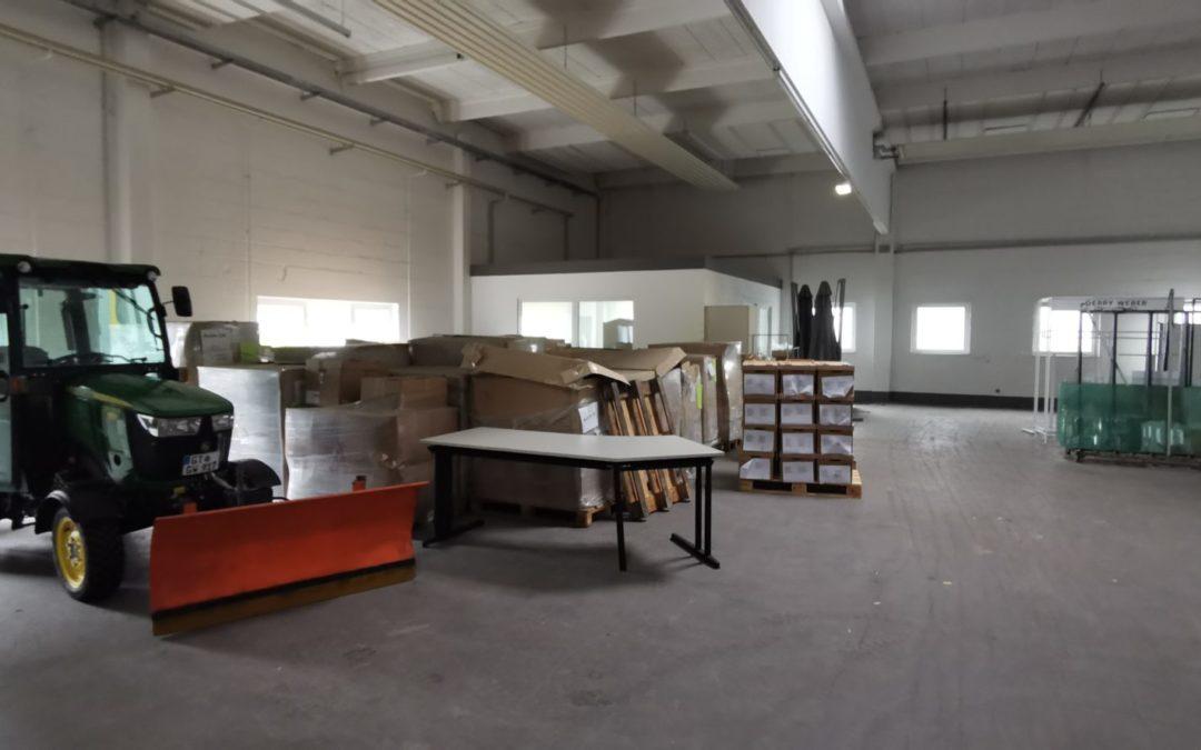 Lagerhalle mit Büro und Nebenräumen